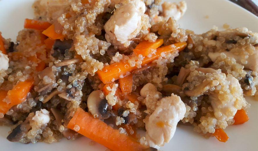 Quinoa con pollo y verduras recetas de cocina f ciles y for Cocinar quinoa con pollo